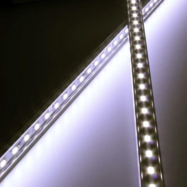 24V Aluminium LED Leiste – tageslichtweiß – einstellbare Abstrahlrichtung