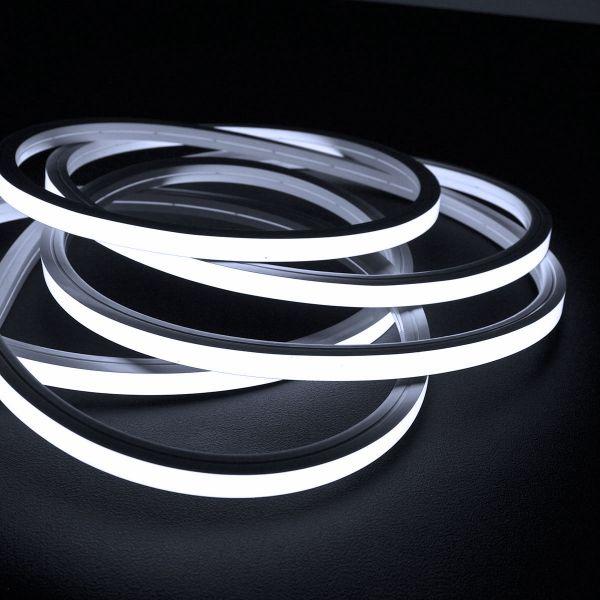 24V wasserfester flexibler LED Lichtschlauch – neutralweiß – diffus – Neon-Effekt – IP67 15x15mm