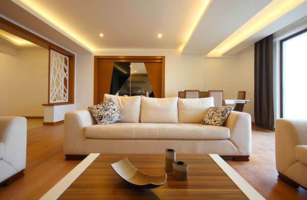 Indirekte Beleuchtung im Wohnzimmer mit LED für Wand & Decke