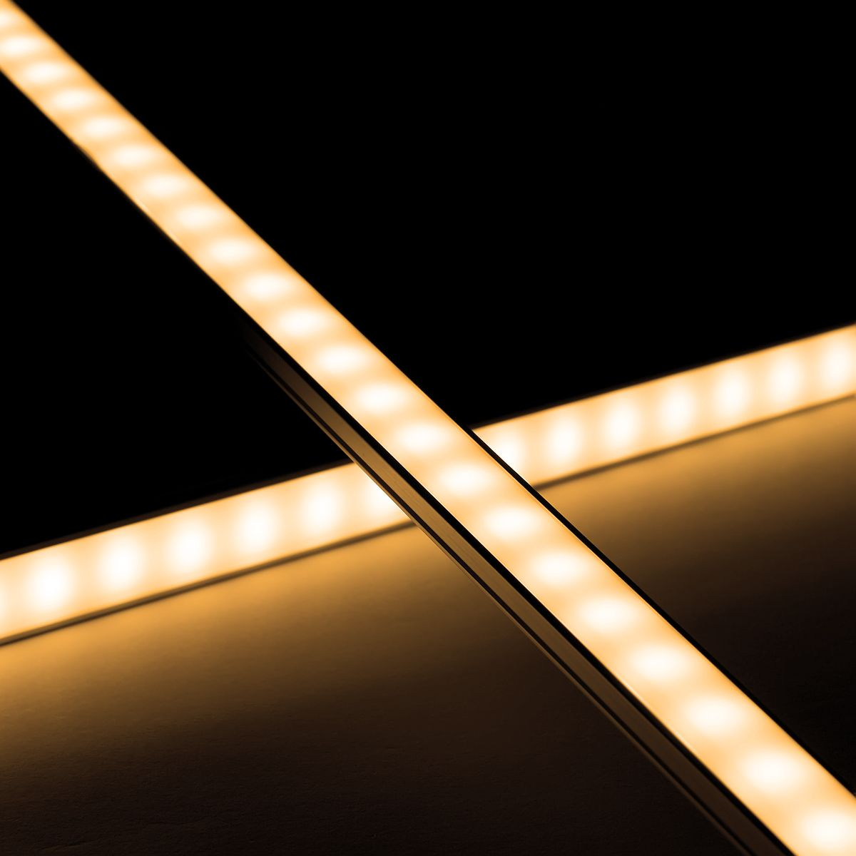 12V Slim-Line Aluminium LED Leiste – warmweiß – diffuse Abdeckung