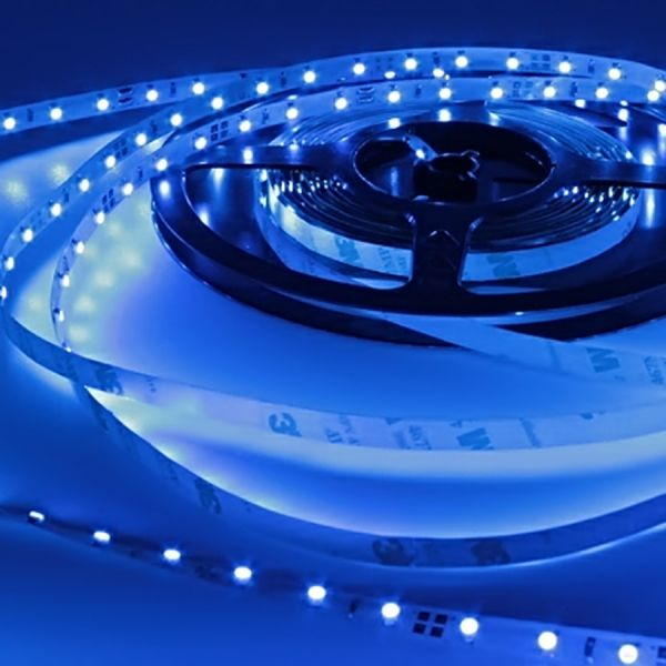 12V LED Streifen – blau – 60 LEDs je Meter – alle 5cm teilbar