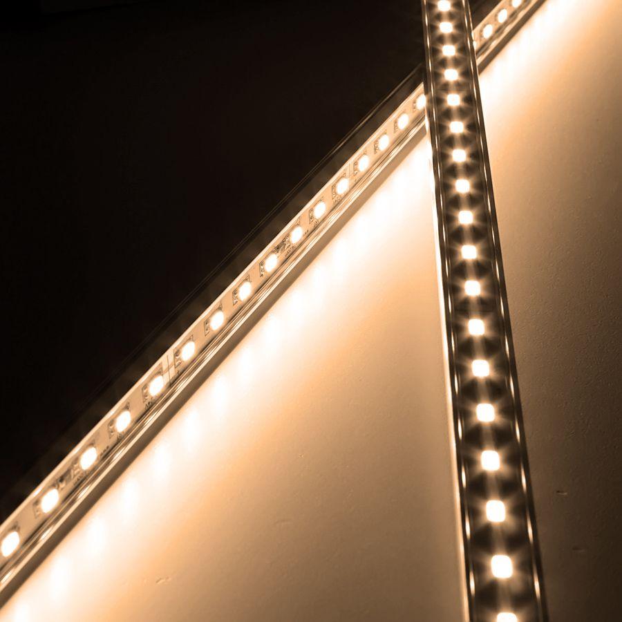 24V Aluminium LED Leiste – warmweiß – einstellbare Abstrahlrichtung