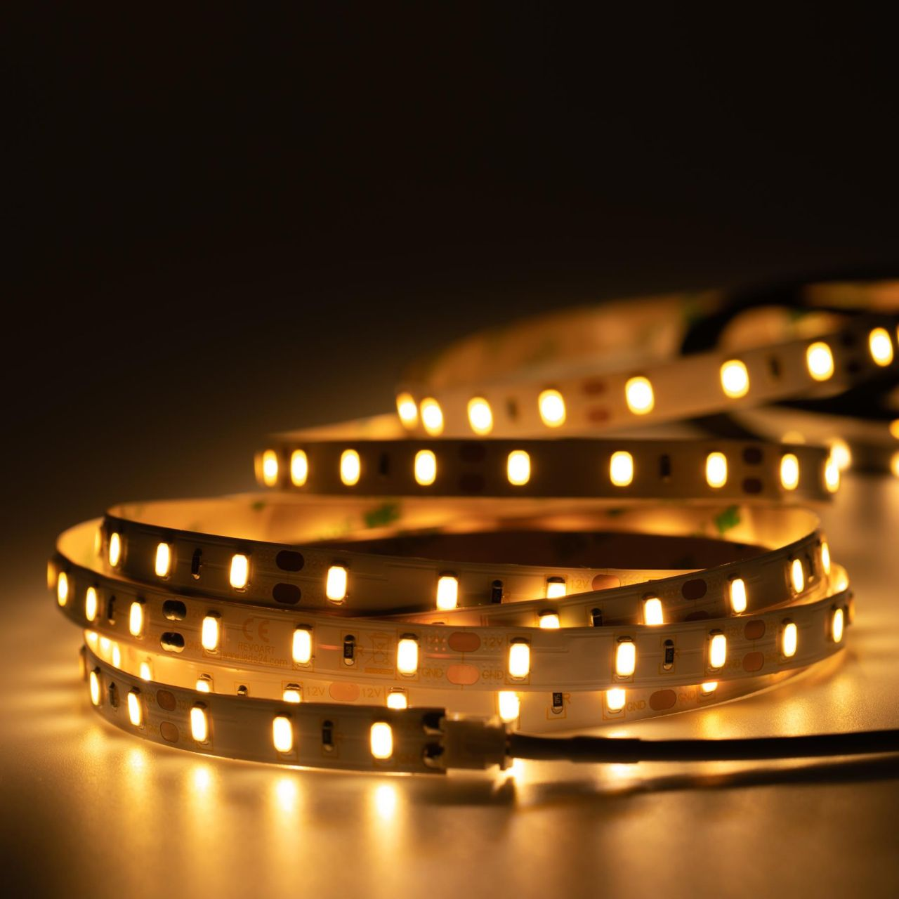 12V High-Power LED Streifen – warmweiß – 60 LEDs je Meter – alle 5cm teilbar