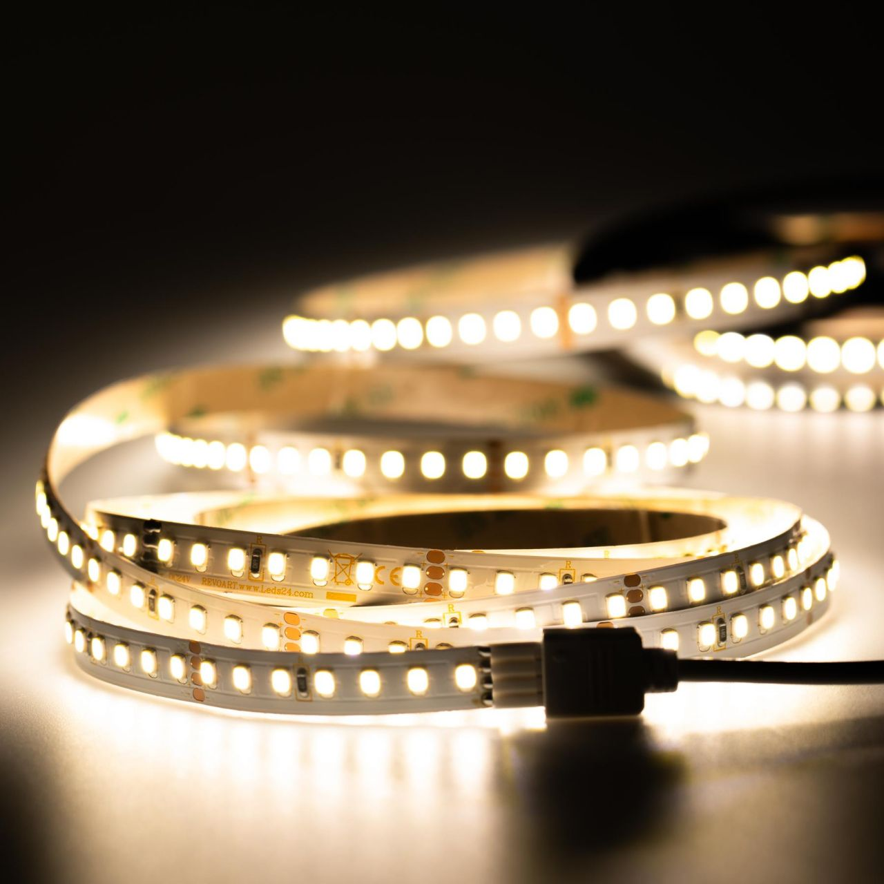 24V LED Streifen – tageslichtweiß – 140 LEDs je Meter – alle 5cm teilbar
